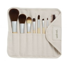 How To Clean Your Make Up Brushes | Bellabox Australia